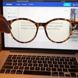 NEW | Bluelight glasses in tortoise blend